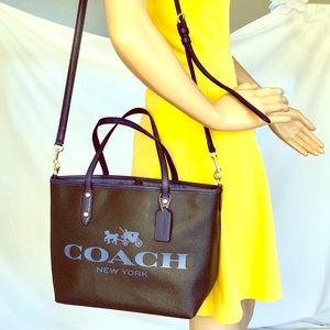 Coach Carriage House leather dark blue bag